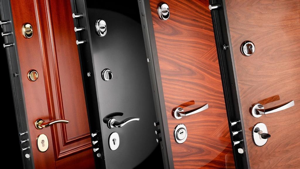 Варианты покрытия металлических дверей